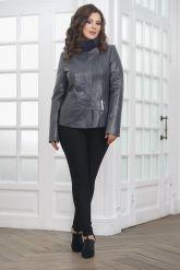 Приталенная кожаная куртка женская. Фото 3.