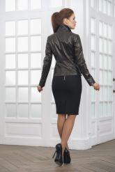 Классическая женская кожаная куртка на пуговицах. Фото 2.