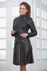Модная женская куртка косуха кожаная. Фото 3.