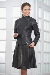 Модная женская куртка косуха кожаная. Фото 4.