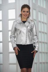 Серебристая кожаная куртка с рюшами. Фото 3.