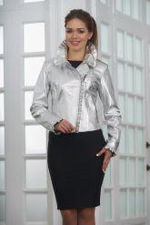 Серебристая кожаная куртка с рюшами. Фото 6.