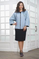 Женская кожаная куртка небесного цвета. Фото 3.
