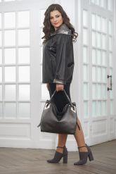 Короткая кожаная куртка с капюшоном больших размеров. Фото 1.