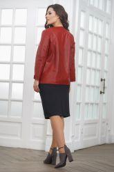 Весенняя кожаная куртка больших размеров терракотового цвета. Фото 2.
