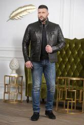 Стильная мужская кожаная куртка с карманами. Фото 2.