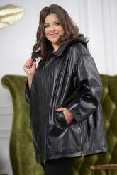 Женская кожаная куртка больших размеров с капюшоном. Фото 3.