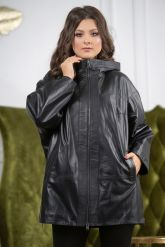 Женская кожаная куртка больших размеров с капюшоном. Фото 6.