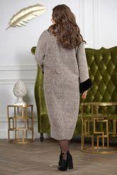 Женское пальто больших размеров с отделкой из меха норки. Фото 4.