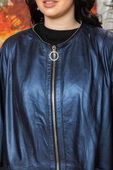 Женский кожаный плащ больших размеров со съемным капюшоном. Фото 3.