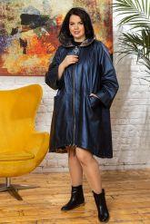 Женский кожаный плащ больших размеров со съемным капюшоном. Фото 7.