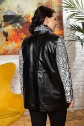 Нарядная женская кожаная куртка. Фото 1.