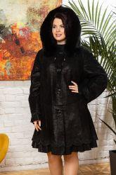 Трапециевидное пальто из замши. Фото 3.