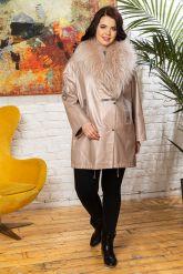 Удлиненная кожаная куртка с мехом енота. Фото 8.