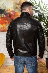 Мужская кожаная куртка черного цвета. Фото 1.