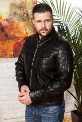 Мужская кожаная куртка черного цвета. Фото 7.