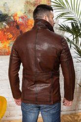 Мужская кожаная куртка цвета виски с отложным воротником. Фото 1.