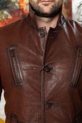 Мужская кожаная куртка цвета виски с отложным воротником. Фото 2.