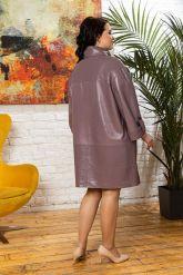 Модный кожаный плащ свободного кроя. Фото 1.