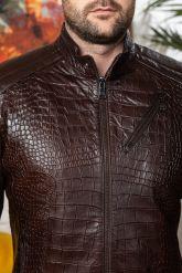 Мужская кожаная куртка коричневого цвета. Фото 2.