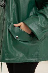 Женская кожаная куртка больших размеров лиственно-зеленого цвета. Фото 3.