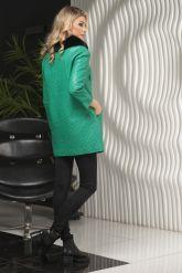 Кожаная куртка в стиле Шанель зеленого  цвета с воротником из меха песца. Фото 2.