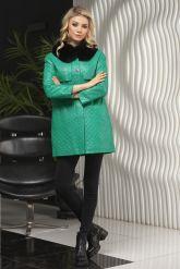 Кожаная куртка в стиле Шанель зеленого  цвета с воротником из меха песца. Фото 3.