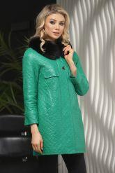 Кожаная куртка в стиле Шанель зеленого  цвета с воротником из меха песца. Фото 4.