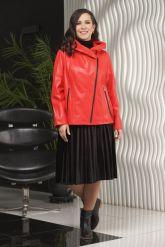 Красная кожаная куртка косуха с капюшоном. Фото 1.
