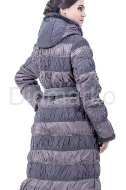 Комбинированное пальто светлого цвета