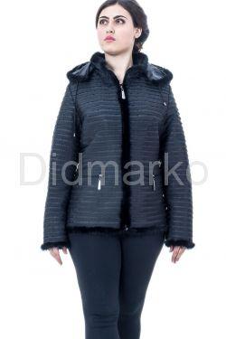Куртка черного цвета с отстегивающимся капюшоном