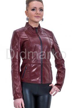 Кожаная куртка со стрейч бордового цвета