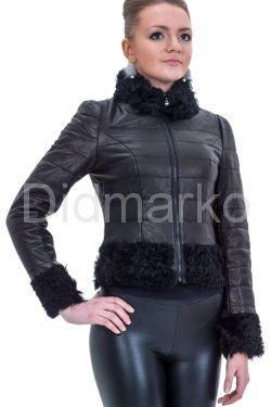 Короткая куртка с отделкой барашка