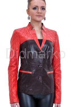 Оригинальная кожаная куртка красно-бордового цвета
