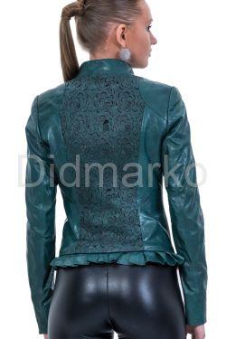 Изящная кожаная куртка с узором на спине