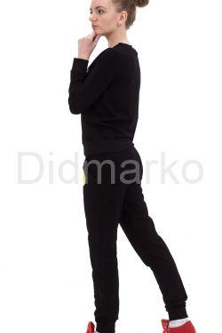 Стильный спортивный костюм черного цвета