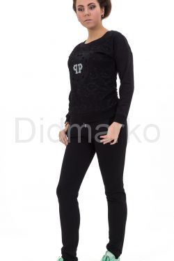Спортивный костюм черного цвета
