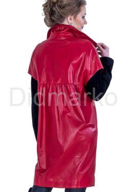 Оригинальный красный кожаный плащ