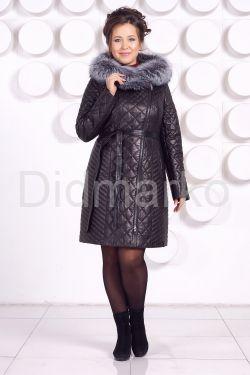 Стеганое кожаное пальто с мехом чернобурки