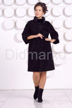 Красивое замшевое пальто