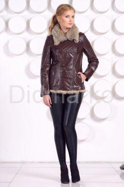 Стильная кожаная куртка с мехом коричневого цвета