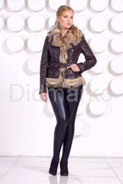 Кожаная куртка с мехом волка коричневого цвета
