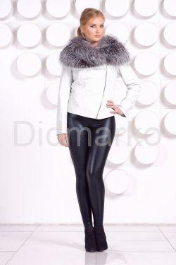 Белая куртка с воротником из чернобурки