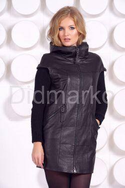 Демисезонное кожаное пальто с капюшоном