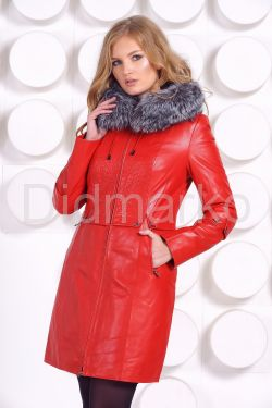 Оригинальное кожаное пальто с мехом чернобурки