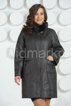 Стильное пальто больших размеров