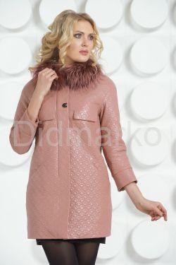 Кожаное пальто цвета пудры со съемным мехом