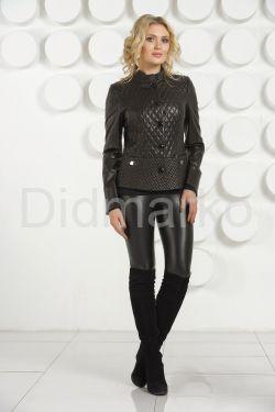 Стеганая кожаная куртка черного цвета