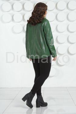 Стильная кожаная куртка зеленого цвета