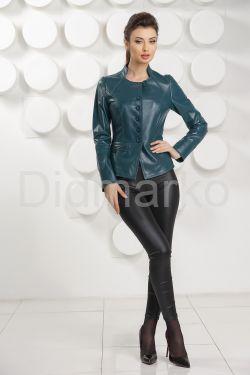 Кожаная женская куртка цвета морской волны